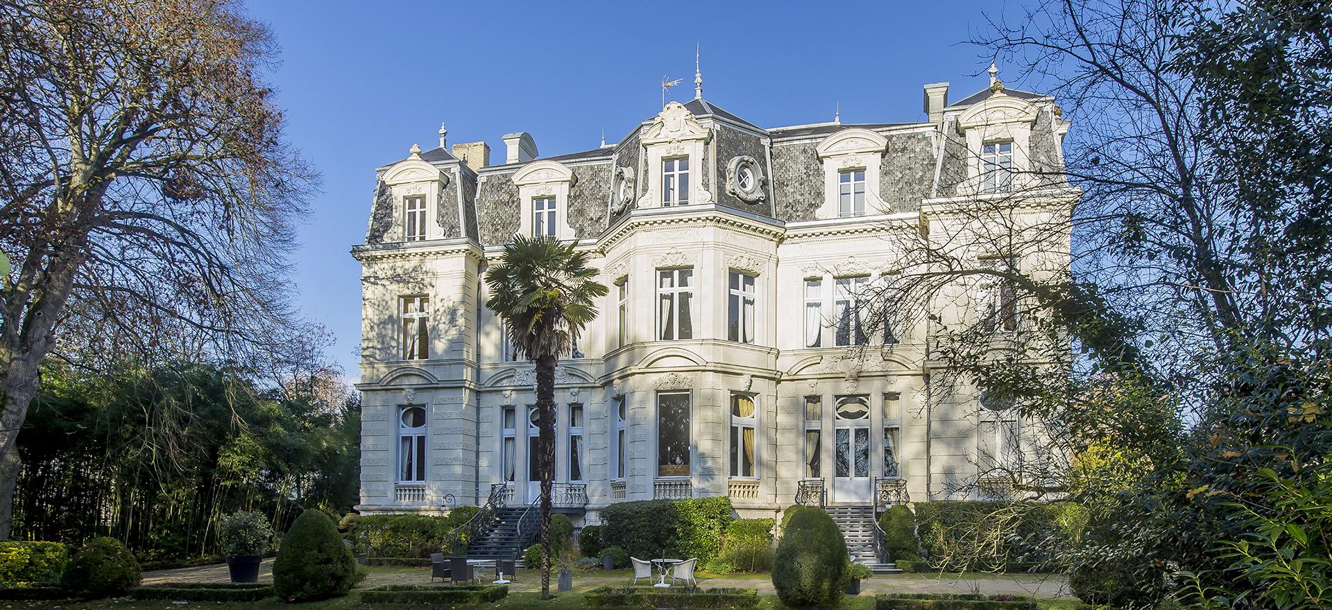 """Voir la page de l'établissement """"Château de Verrières"""""""